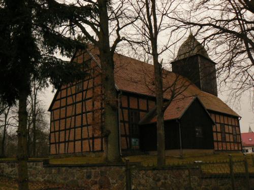 kościółek w Ugoszczy