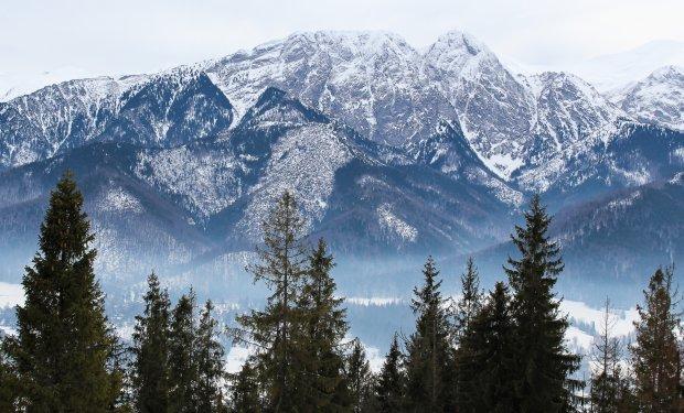 Giewont w zimowej scenerii