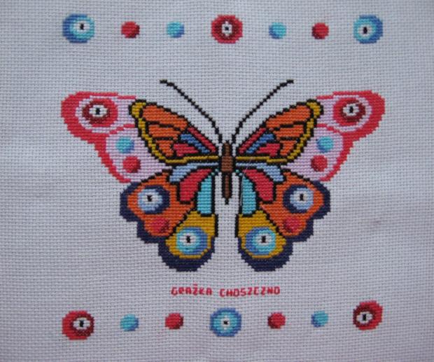 227. Motyl na poduszkę