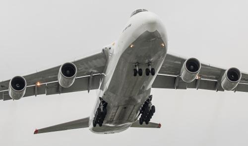 Wczorajszy transport środków medycznych do Polski. Antonov 124 - jedyny na Świecie w wersji biało - szarej.