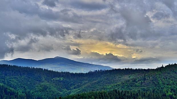 Babia Góra - widok z Korbielowa