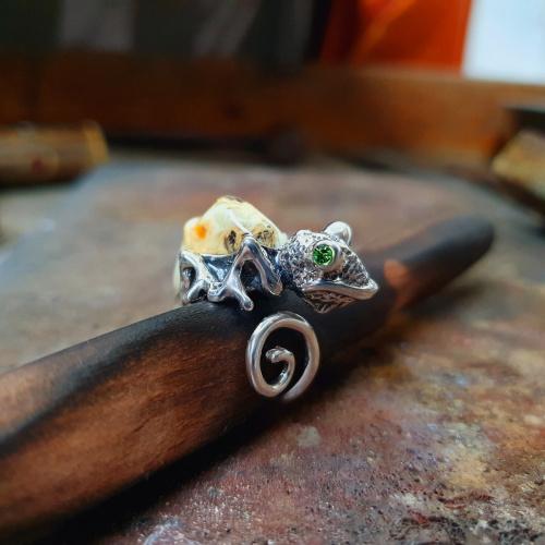 kameleon pierścionek unikatowy - www.silverum.com.pl #unikat #pierścionek #srebro #bursztyn #kameleon #sklepinternetowy