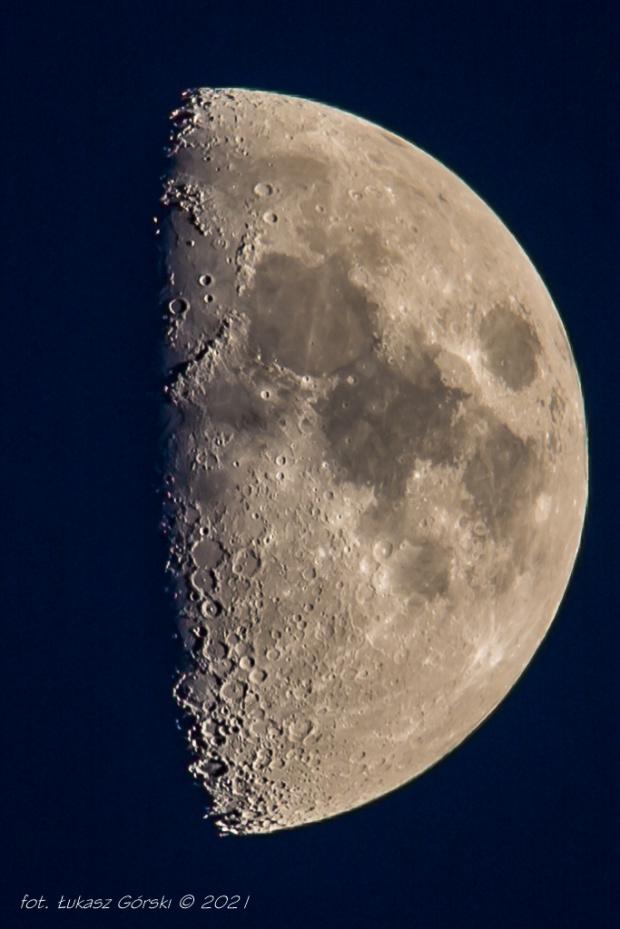 Księżyc I kwadra #księżyc #Chojnic #kwadra