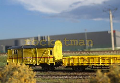 Wagony pociągu sieciowego z przełomu XX i XXI. Dyżurka i wagon platforma do transportu ramienia dźwigu. Konwersja do kolei PKP w skali 1:87. #energetyka #PKP H0